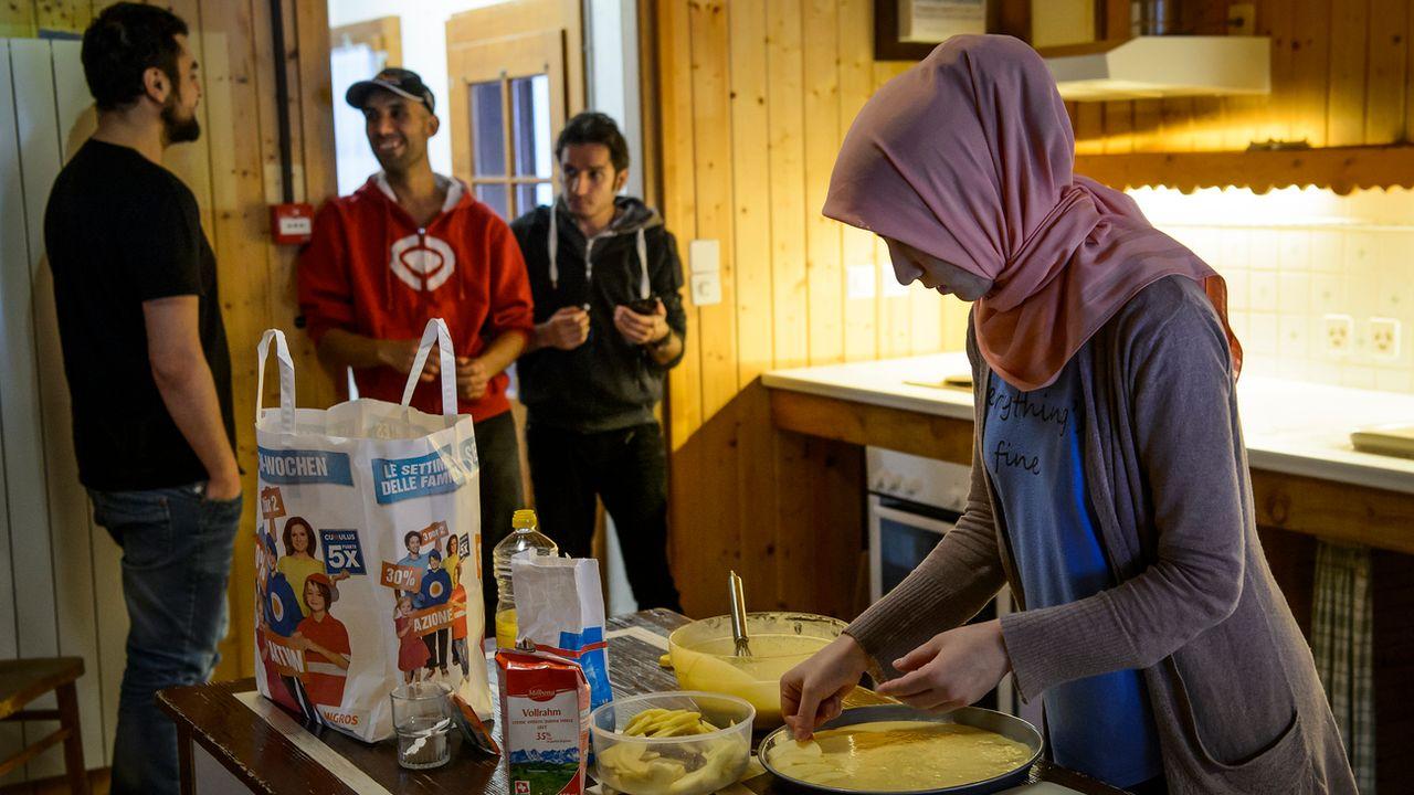 L'Etablissement vaudois d'accueil des migrants (EVAM) loge des requérants d'asile, en majorité des familles, dans deux chalets à Gryon (VD). [Jean-Christophe Bott - Keystone]