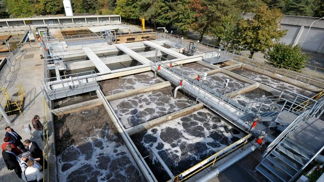 Bassins de traitement de la station d'épuration de Vidy (VD). [Laurent Gillieron - Keystone]