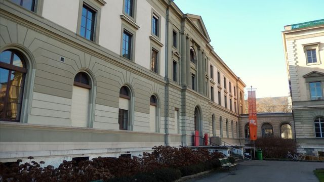 La Bibliothèque de Genève. [José Otavio Baldinato - Google Maps]