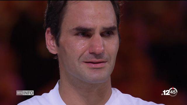 La traditionnelle séance photo de Federer après sa victoire à Melbourne [RTS]