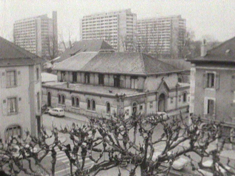 Le premier Théâtre de Carouge, dans une église désaffectée de la rue Jacques-Dalphin. [RTS]