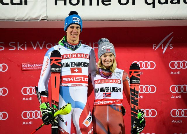 Ramon Zenhäusern tout sourire aux côtés de Nina Haver Loeseth. [Pontus Lundahl - Keystone]