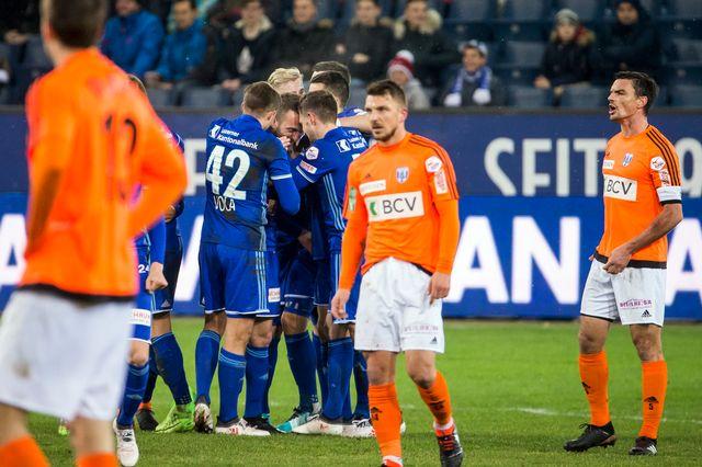 La joie des Lucernois après le 2-0 face à Lausanne le 3 février. [Keystone - Alexandra Wey]