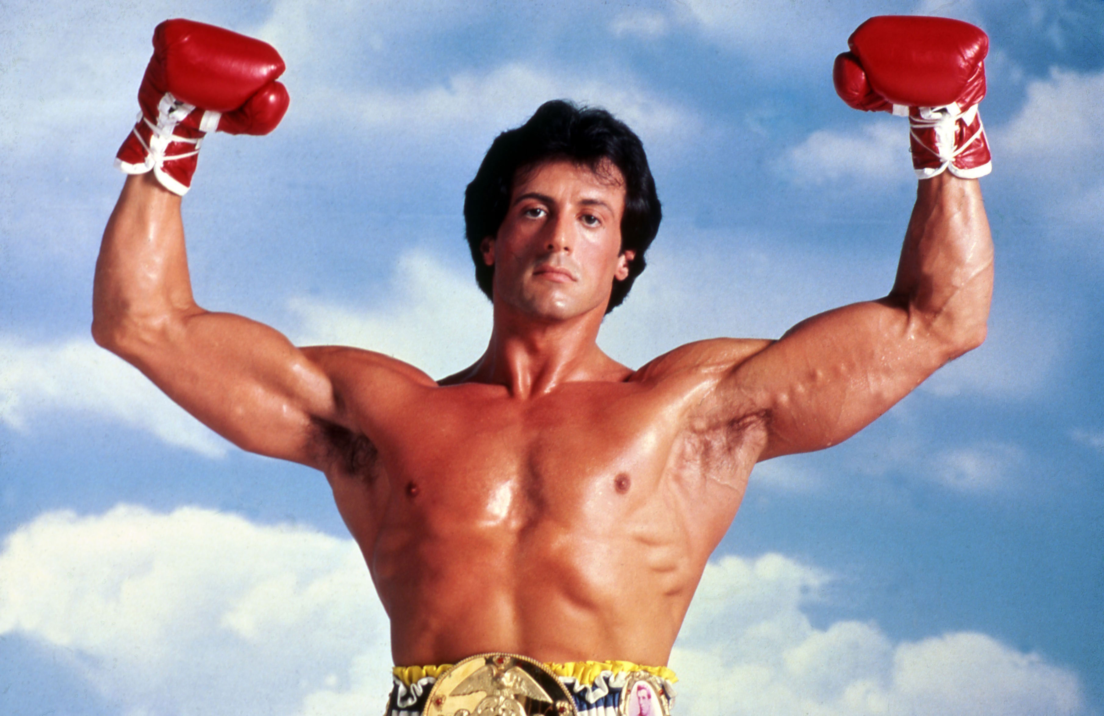 "Sylvester Stallone, glorieux, dans ""Rocky III""."