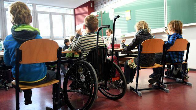 La loi vaudoise sur l'enseignement obligatoire mise sur l'école inclusive. (image d'illustration). [Maurizio Gambarini - Keystone]