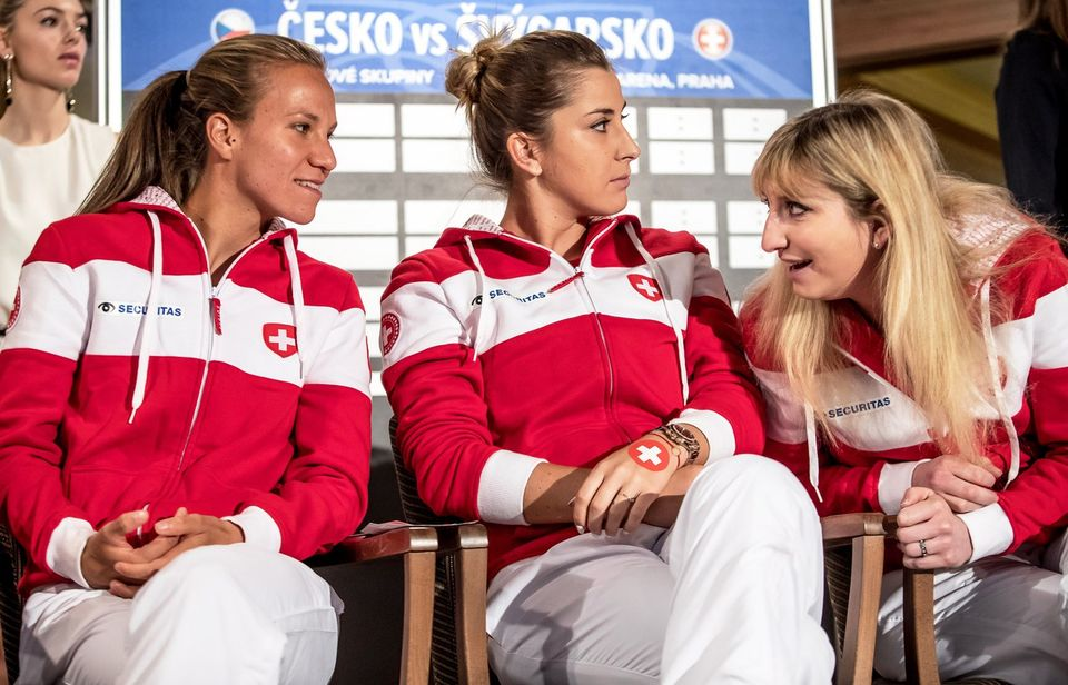 Le trio helvète avec de gauche à droite, Viktorija Golubic, Belinda Bencic et Timea Bacsinszky. [MARTIN DIVISEK - Keystone]