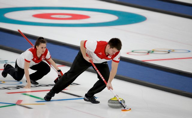 Grâce à leur succès contre la Corée du Sud, Jenny Perret et Martin Rios obnt validé leur place pour les demi-finales. [Natacha Pisarenko - Keystone]