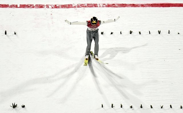 Andreas Wellinger décroche son premier titre olympique en individuel. [Christian Bruna - Keystone]