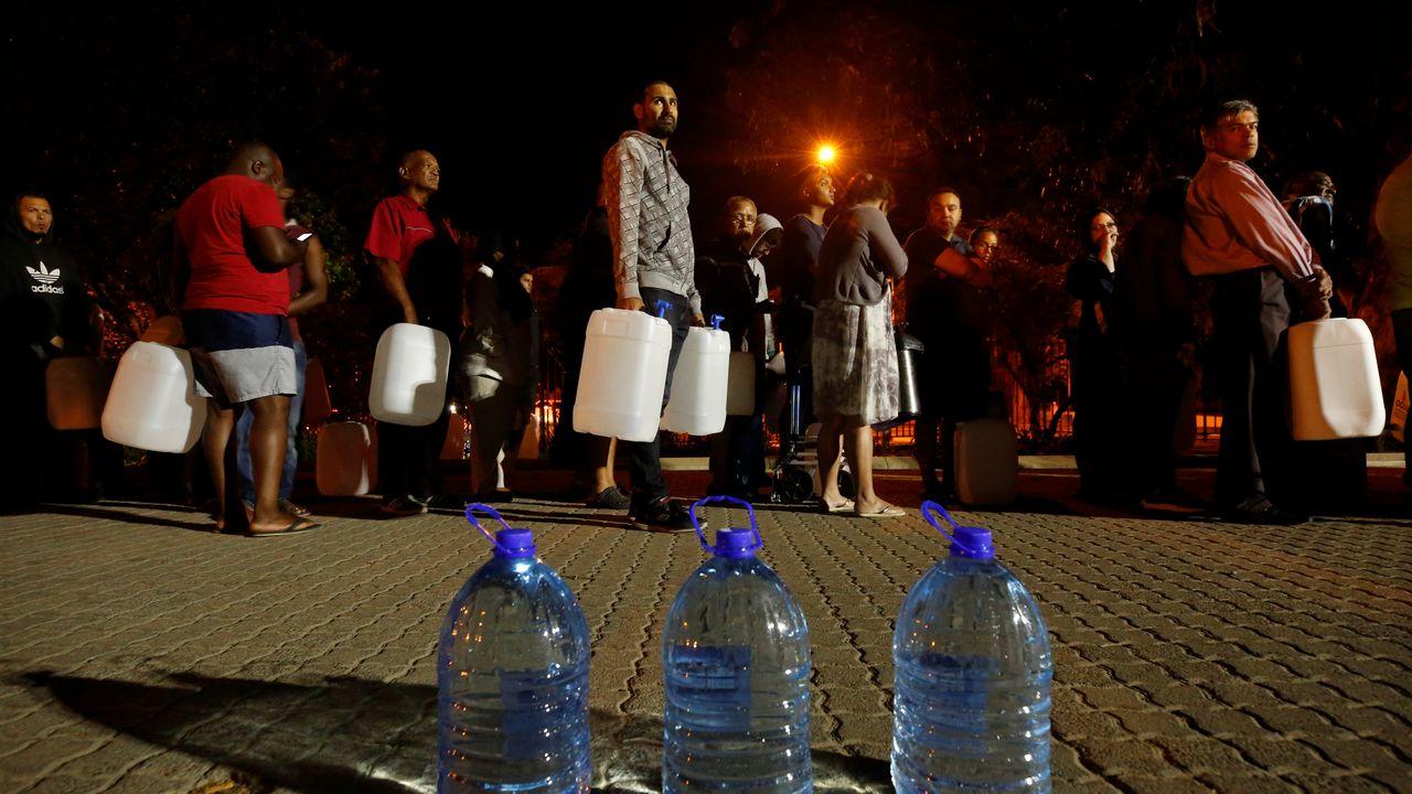 Cap Town sera la première ville à subir une pénurie d'eau. [Mike Hutchings - Reuters]