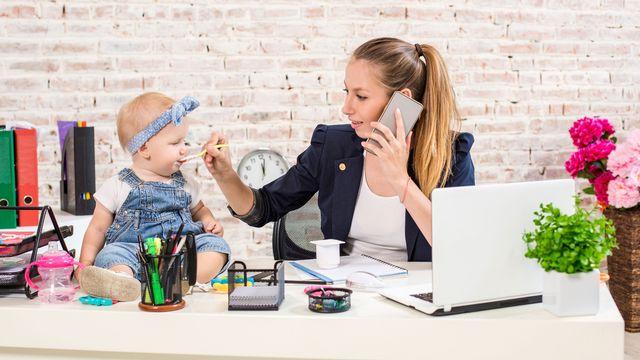 De plus en plus de mères choisissent de créer leur propre activité professionnelle. [nazarovsergey - Fotolia]