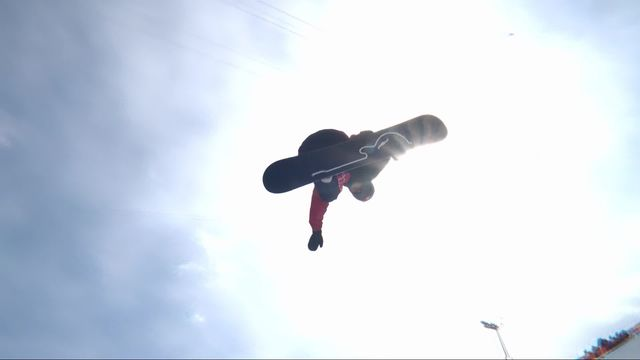 Halfpipe qualifications hommes, 1re manche: Pat Burgener (SUI) [RTS]
