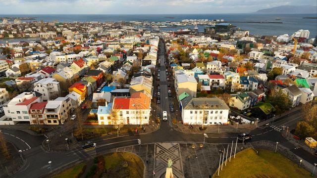 Une vue générale de la capitale islandaise, Reykjavik. [Miles Ertman  - Robert Harding Premium - AFP]