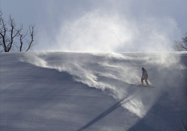 Le vent n'en finit pas de perturber les épreuves de ski alpin. [Michael Probst - Keystone]