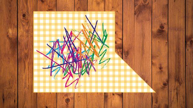 Le set de table après que Capucine a rectifié le bord découpé par ses enfants. [Photo-Mix  - SFV]