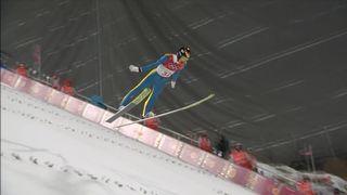Grand tremplin hommes, qualifs: le saut de Gregor Deschwanden (SUI) [RTS]