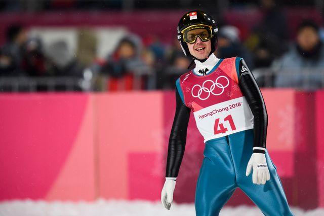 Simon Ammann a effectué le 2e plus long saut de la soirée (140 m). [Gian Ehrenzeller - Keystone]