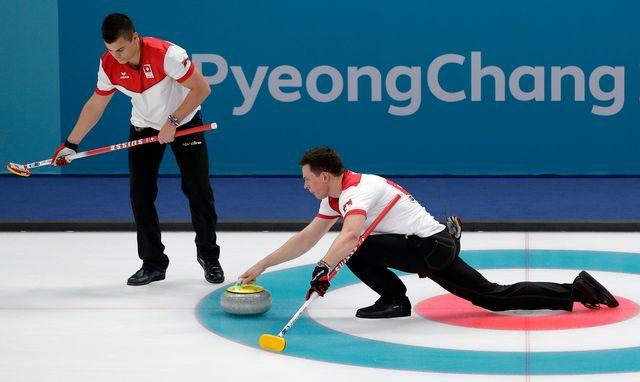 En marquant 4 points d'entrée de jeu, les Suisses se sont facilité la tâche. [Aaron Favila - Keystone]
