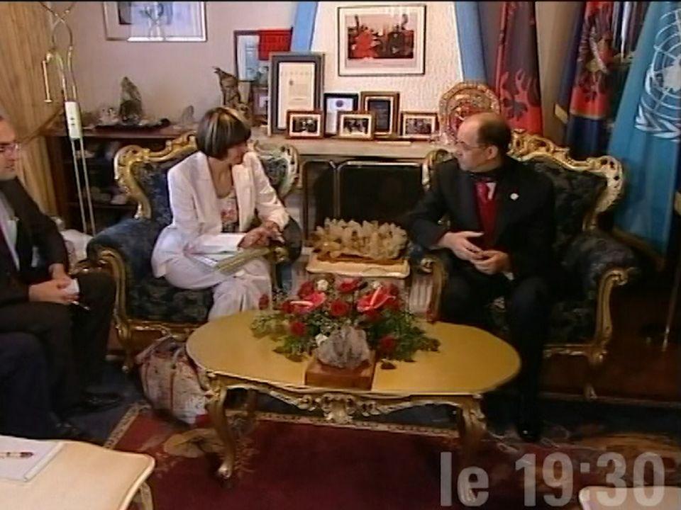 Micheline Calmy-Rey au Kosovo [RTS]
