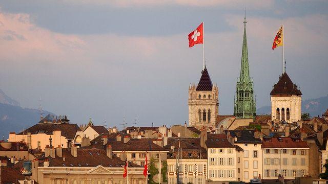 Vue sur la vieille ville de Genève et la Cathédrale. [Laurent Gilliéron - Keystone]