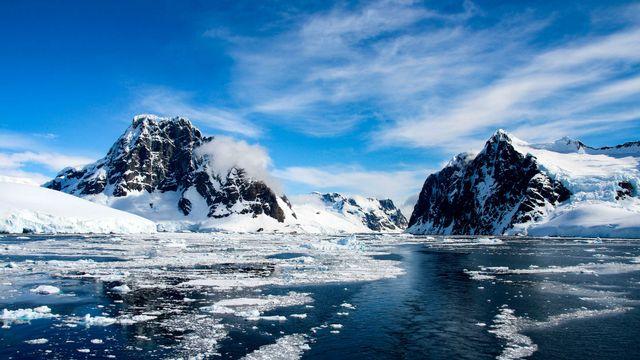 Paysage en Antarctique [© evenfh - Fotolia]