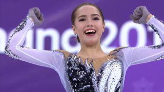 Danse programme court dames: l'athlète olympique russe Alina Zagitova prend la tête du classement [RTS]