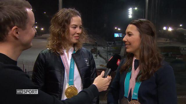 Ski - Combiné: l'interview de Michelle Gisin, médaillée d'or, et Wendy Holdener, médaillée de bronze [RTS]