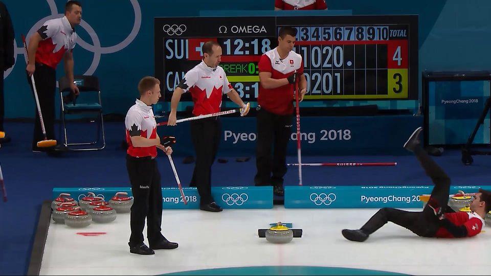 Peter de Cruz n'a pas vu la pierre jaune canadienne derrière lui. [RTS]