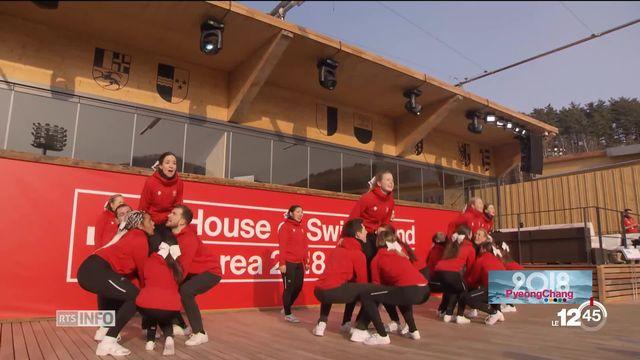JO 2018: les Cheerleaders des Lausanne Angels ravies d'être présentes. [RTS]