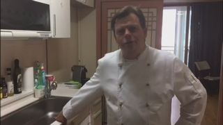 Visite guidée de la cuisine du chef [RTS]