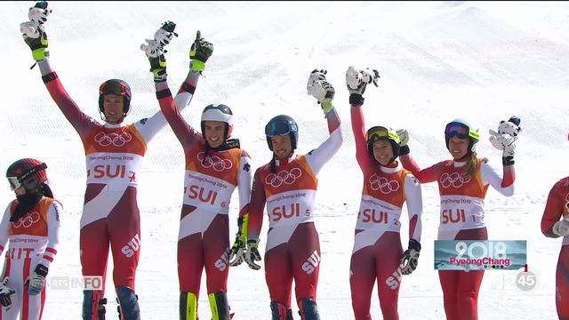 JO - Ski alpin: la Suisse obtient la médaille d'or lors du Team Event [RTS]