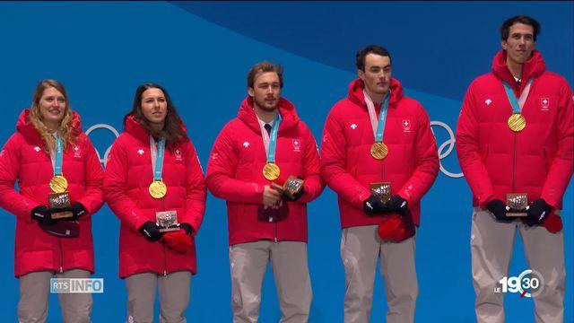 Jeux Olympiques: médaille d'or pour l'équipe suisse de ski alpin [RTS]