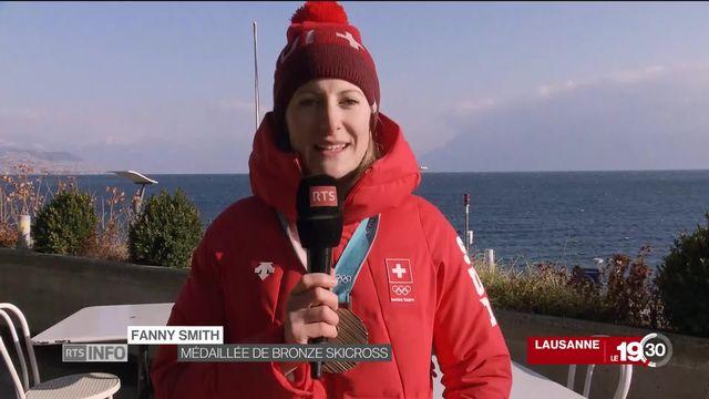 JO 2018 - Retour en Suisse: la réaction de Fanny Smith, Médaillée bronze skicross [RTS]