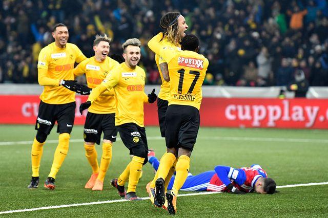 Le FC Bâle n'a pas su se relever après le but contre son camp de Suchy (au sol). [Peter Schneider - Keystone]