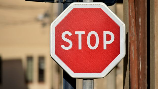 Stop [© Georges Blond - Fotolia]