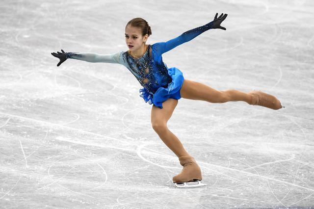 Alexandra Trusova est entrée dans la cour des grandes avec sa performance. [Vladimir Pesnya - AFP]