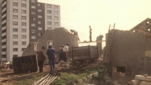Destruction d'une ferme en 1982. [RTS]