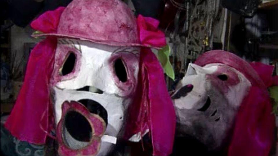 Souliers, hallebardes, masques, etc ... [RTS]