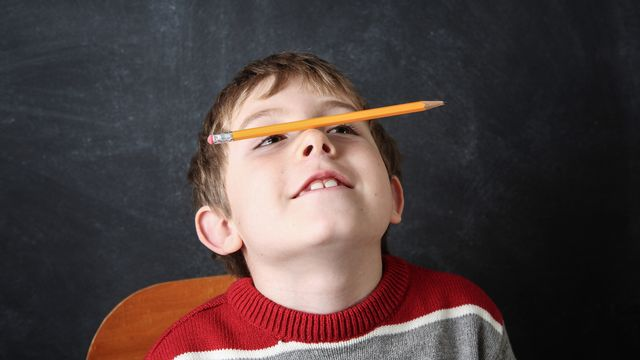L'hyperactivité se traduit par une difficulté à rester tranquille, des problèmes de concentration, des difficultés dans la gestion des émotions ou du stress. [soupstock - Fotolia]