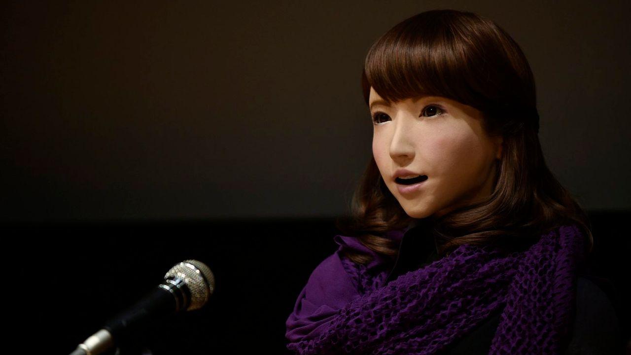 L'androïde Erica lors de sa présentation à Tokyo en 2015. [Franck Robichon - EPA/Keystone]