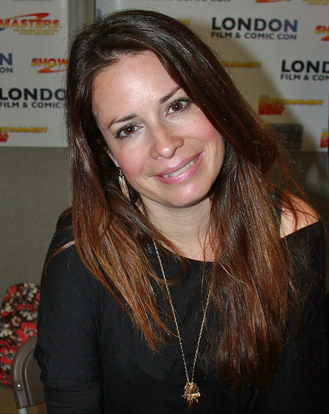 Holly Marie Combs.