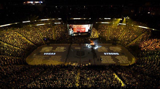 La patinoire de Las Vegas lors de la cérémonie en hommage aux victimes. [Ethan Miller - Getty Images/AFP]
