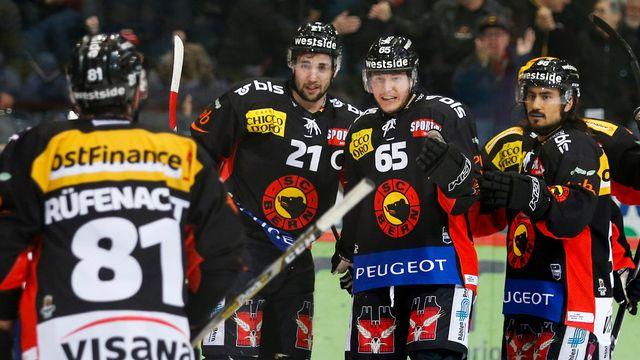 Les Bernois mènent désormais 2-1 dans leur série face à Zurich. [Peter Klaunzer - Keystone]