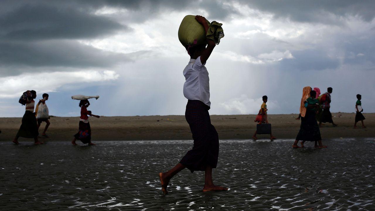 Réfugiés rohingyas entrant au Bangladesh pour fuir les violences, 11.09.2017. [Danish Siddiqui - Reuters]