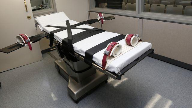 Une table d'exécution dans un pénitentiaire d'Oklahoma aux Etats-Unis. [Sue Ogrocki - Keystone]