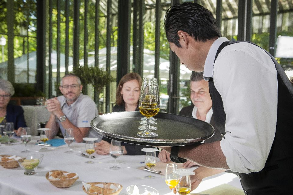 2014. A Bon Entendeur - Huiles d'olive « extra-vierge » : pas si extra ? [RTS/MENTHA Frank]