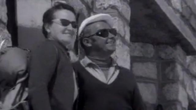 M. et Mme Vuignier à la cabane de Dix en 1970 [RTS]