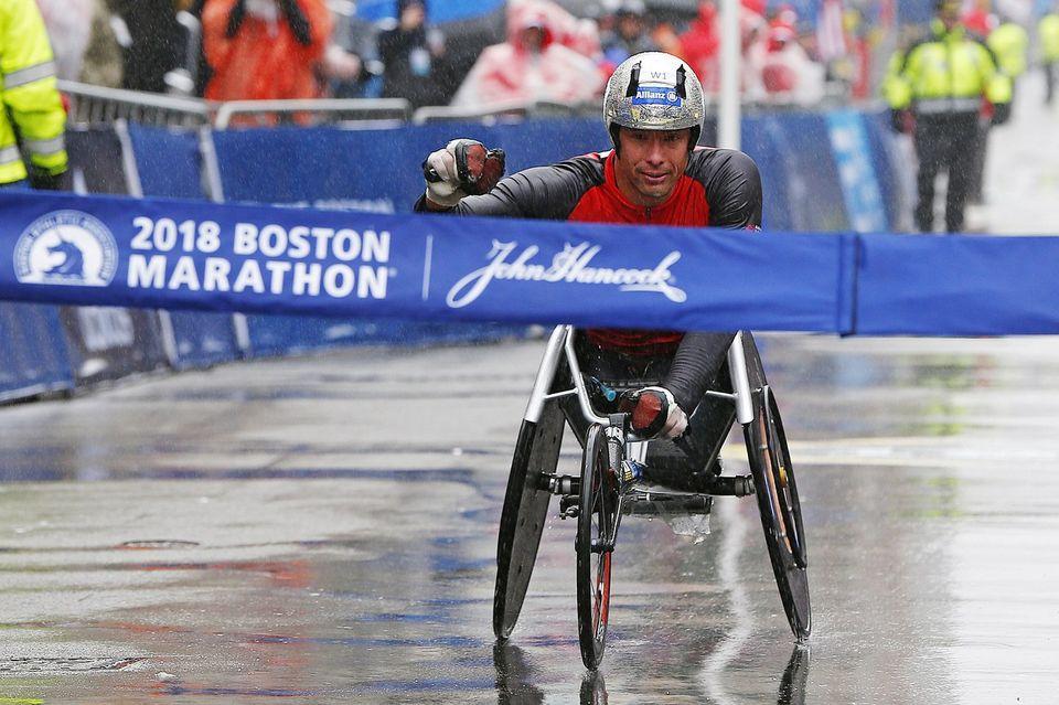 Octuple médaillé paralympique, Marcel Hug s'est imposé dans des conditions dantesques. [CJ Gunther - Keystone]