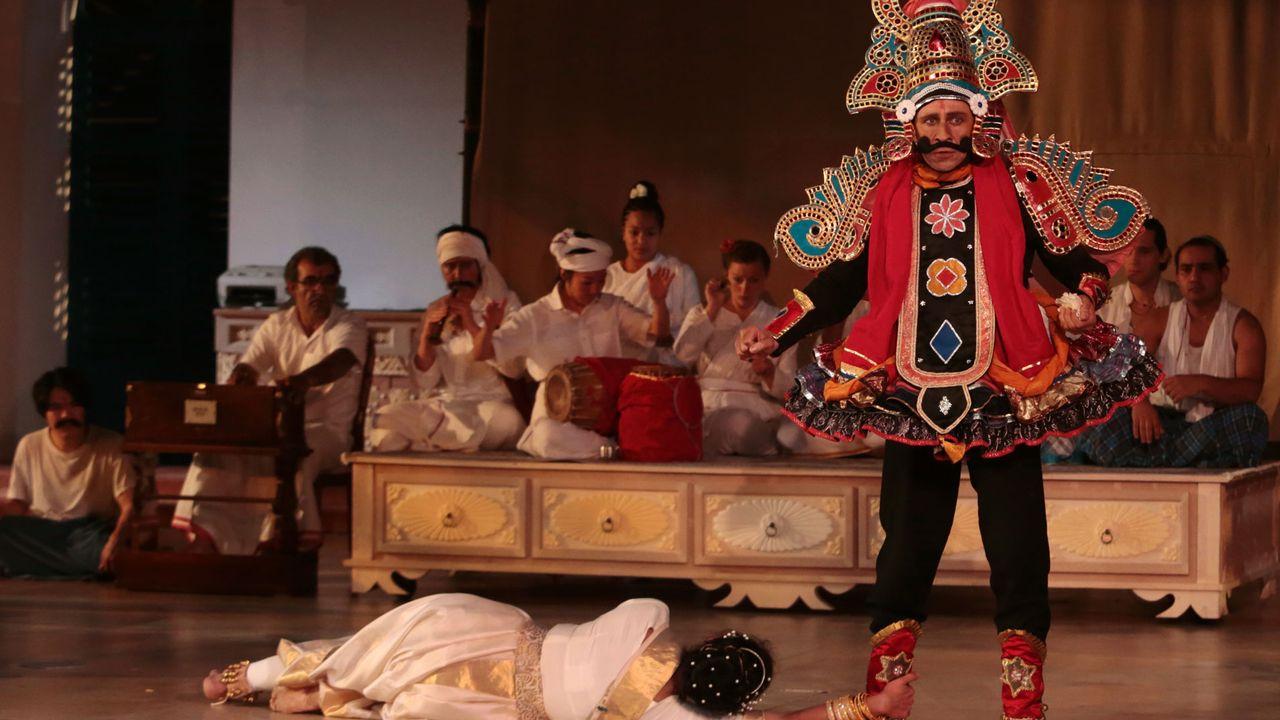 """Une photo du spectacle """"Une chambre en Inde"""" du Théâtre du Soleil. [Michele Laurent - lesoleil-lausanne.ch]"""