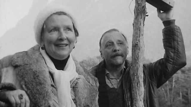 Le couple d'écrivains Corinna Bille et Maurice Chappaz en 1973. [RTS]