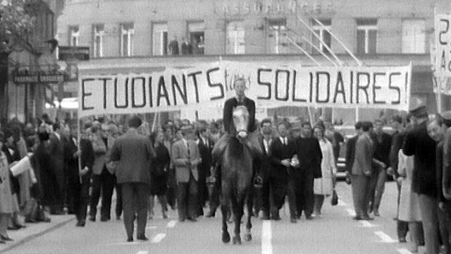 Avant Mai 68, plusieurs manifestations, notamment d'étudiants, montraient les prémices du changement y compris en Suisse. [RTS/ARCHIVES]